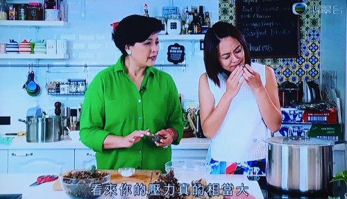 TVB 《食得健康嗎》Gigi 姐同嘉淇BB 教大